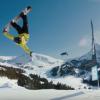 マジか?空中でドローンをキャッチするスノーボーダーあらわる!